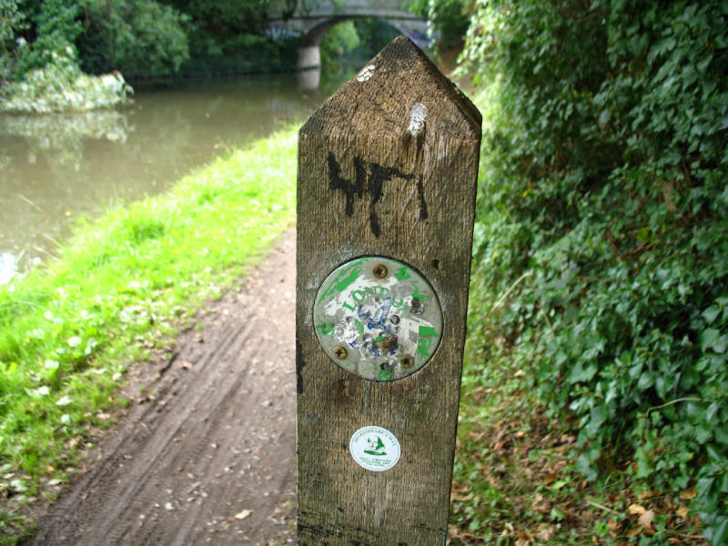 London Loop waymarker