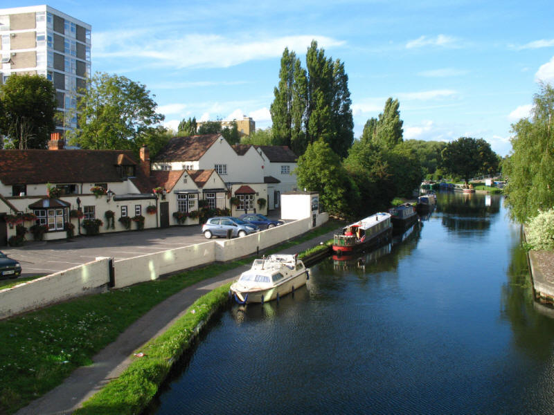 Swan and Bottle pub, Grand Union Canal, Uxbridge