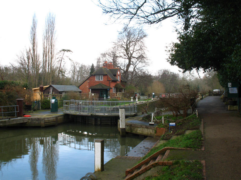 Sonning Lock, River Thames