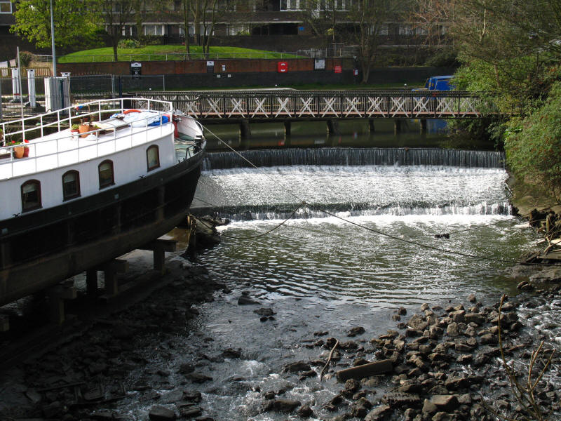 Weir on the River Brent and Grand Union Canal