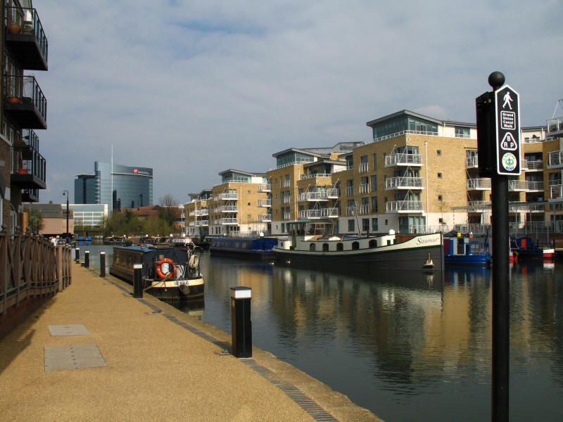 Apartments above Brentford Gauging Lock on the Grand Union Canal