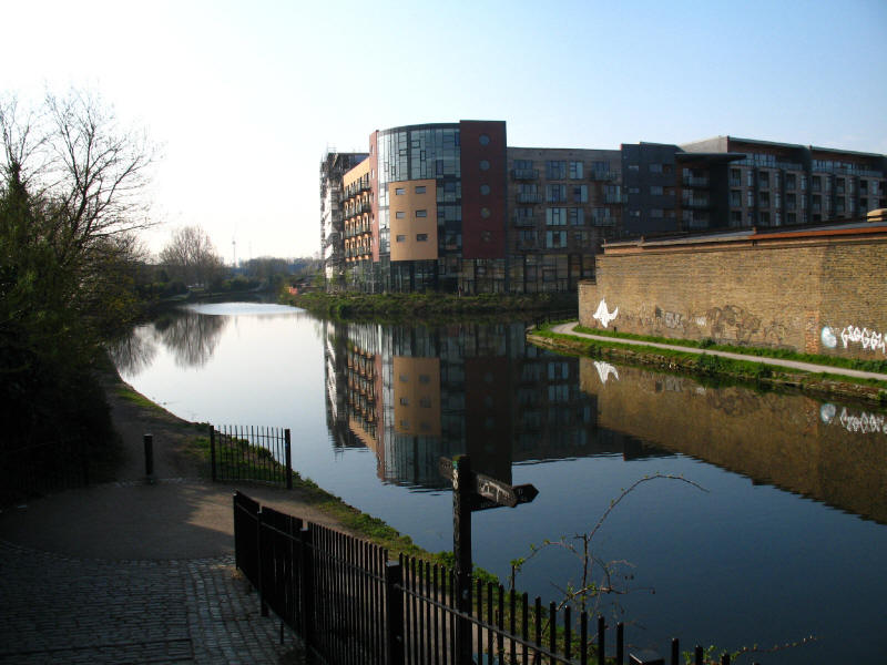 River Lee Navigation junction with Hertford Union Canal