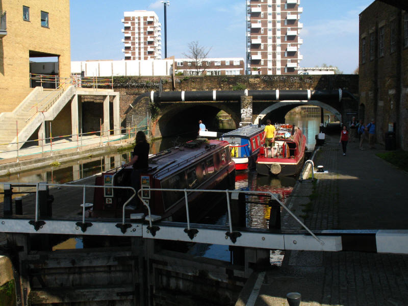 Commercial Road Lock, Regent's Canal