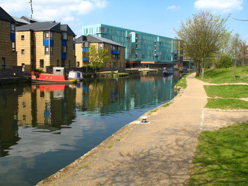 Regent's Canal above Mile End Lock