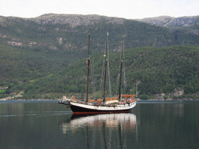 Tall-ship schooner Trinovante in Norway